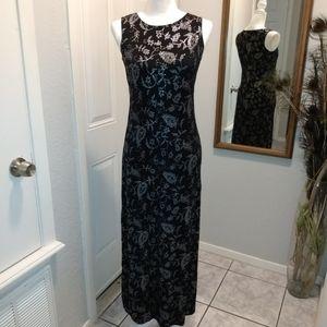Cute and sexy sleeveless maxi dress